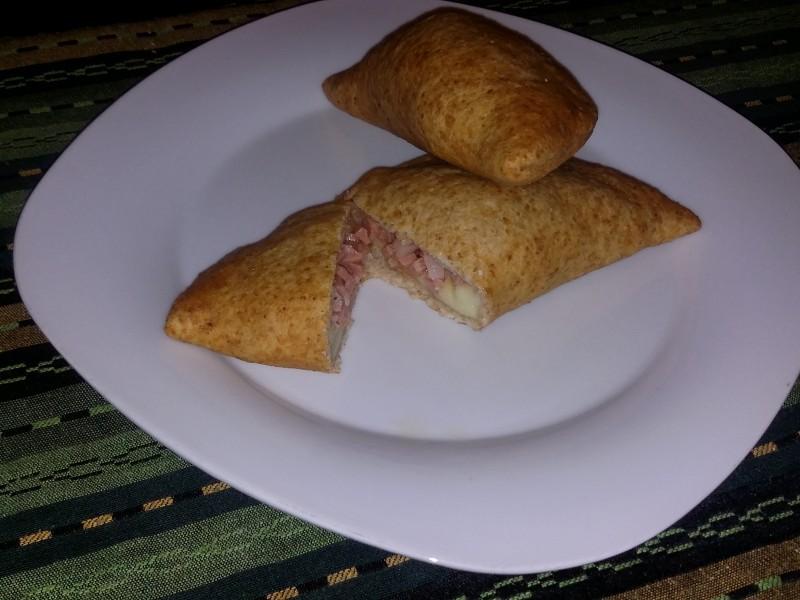 Panzerotti pugliesi fritti con farina integrale